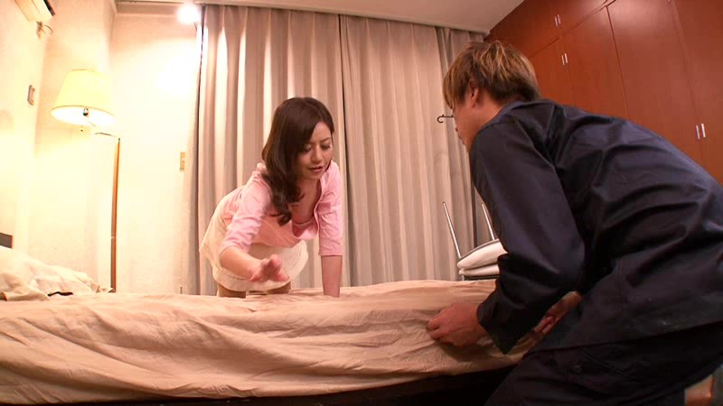 SPRD-638 Wife's Tits are Showing a Little Bit / Minami Asano