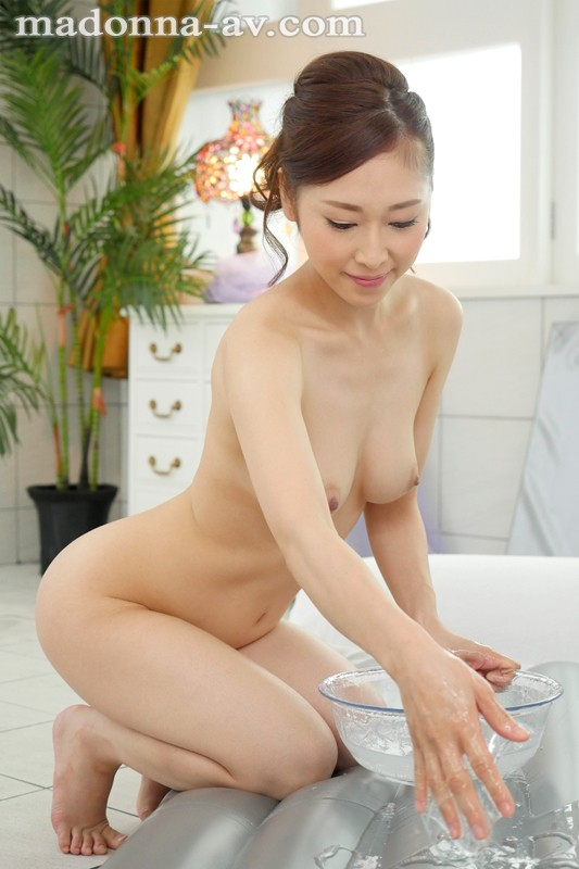 JUY-290 A Beautiful Mature Woman Soapland Where Middle-Aged Men Are Serviced With Thick And Rich Kisses Kanako Kase