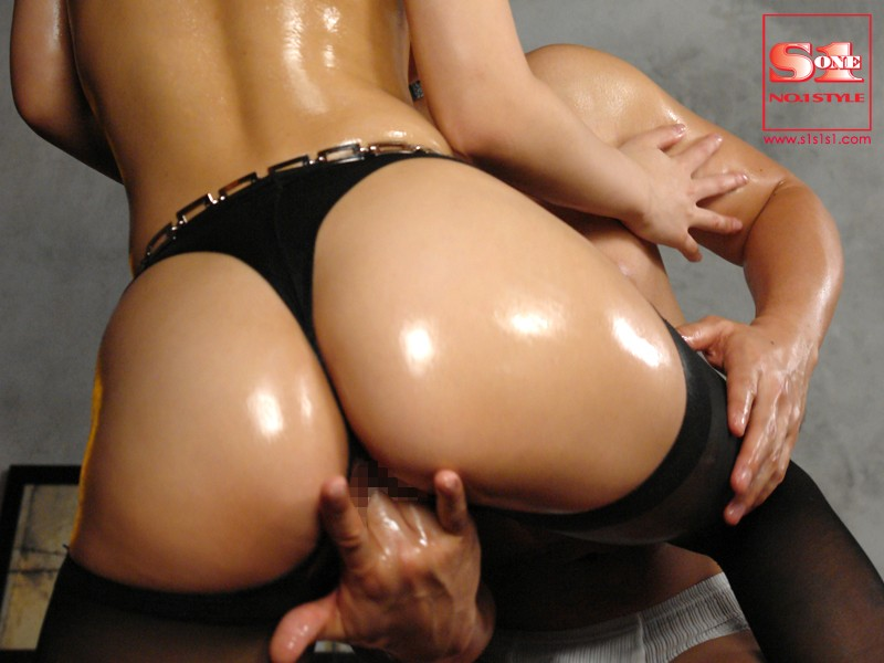 Beautiful Ass Temptation - 100 in a Row (onsd00743)