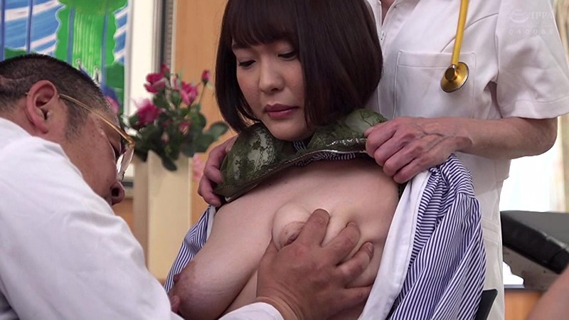 UMD-703 The Gynecologist 9 This Innocent Young Wife Is Getting Creampie Fucked, And He's Telling Her It's All Part Of Her Treatment!!