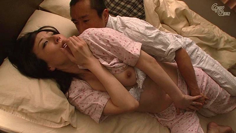 OVG-008 Studio Glory Quest 5 Married Women get Fucked By A Night Creeper Whilst Sleeping Right Next To Their Husbands big image 6