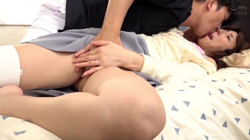 MOND-182 Eng Sub The Unusual Life Of A Married Woman – Her Husband Needs Sexual Care