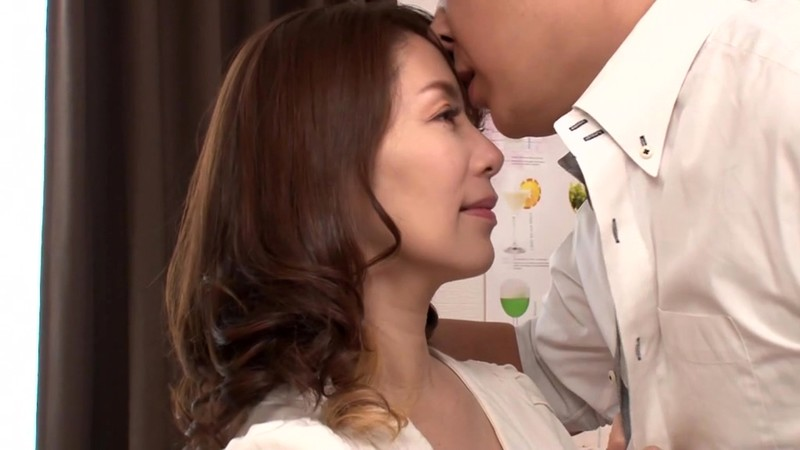 [SPRD-1218] A Stepmother And Stepson In A Creampie Sex Life Together - Chisato Shoda