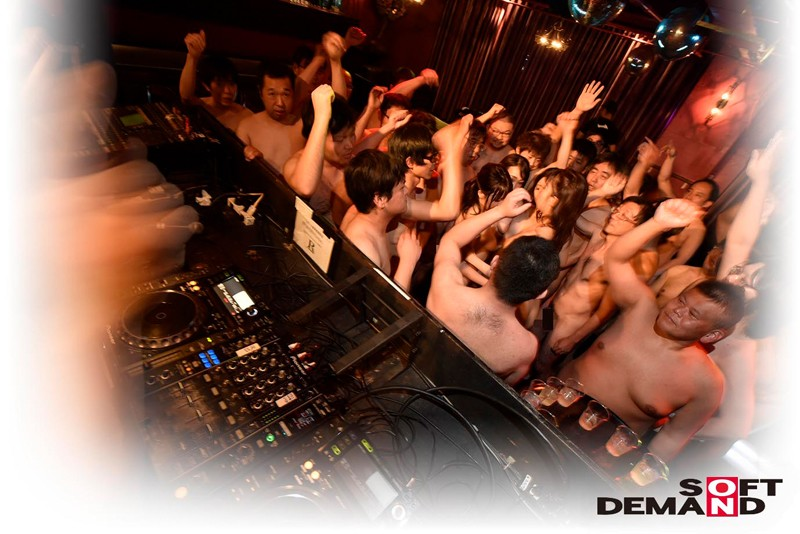 SDEN-032 Fuck For Real Creampie Orgy Hardcore Party In Shibuya!!!!