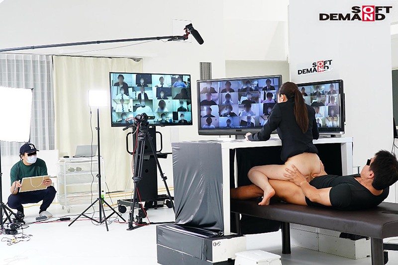 [SDJS-093] (Social Distancing Edition) SOD Female Employees Cum Hard On Camera! 2020 Online Company Info Session - These Hard Working Office Girls Have To Give A Presentation To Over 100 Applicants Without Wetting Themselves