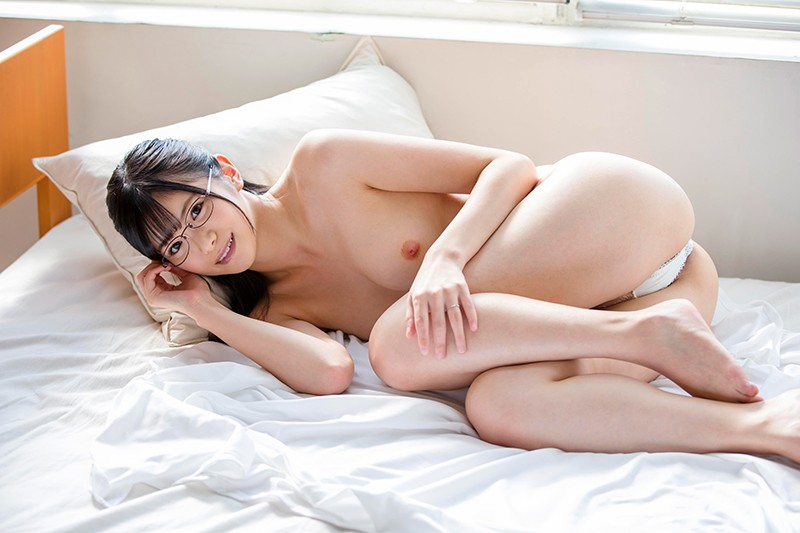 SDNM-136 Muzuri Female Doctor Wife Looking At Genitals Other Than Her Husband Musumes Akari Tomino A big image 3