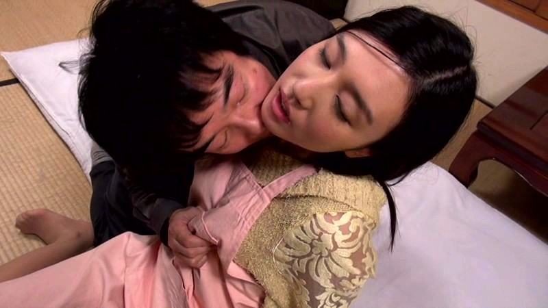 STAR-502 Gorgeous Young Wife Iori Kogawa Gets Creampie-Raped in front of Her Helpless Husband