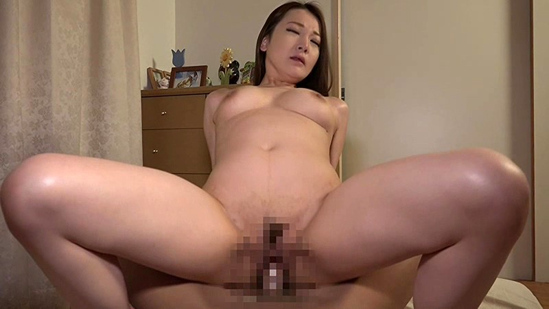 SW-331 My Mom And My Aunt Came To Visit Me At My Place. I Got Horny With My Sexy Aunt's Big Booty Lying Next To Me, Tried Rubbing It With My Hard Cock, And It Felt Incredible! That Got Her In The Mood, And When My Mom Caught Us Fucking She Got Excited Too.