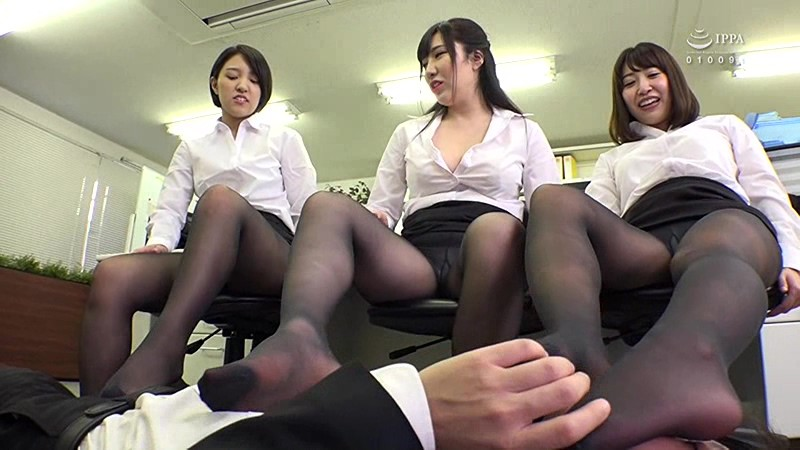 [SW-612] A Female Employee's Black Pantyhose Temptation I'm No Good At My Job, But The Least I Can Do Is Use My Cock To Relieve The Sexual Tensions Of All The Beautiful And Horny Female Employees In The Office And Make Them Scream And Moan With Pleasure