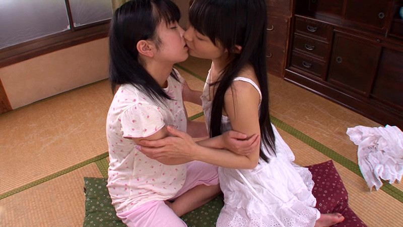 [CWM-185] Hot Teen Era 04. A Special Game Of House. Rina And Riko