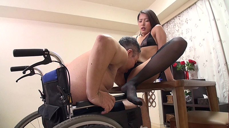 Busty jennifer keelings rides danny d on the wheelchair