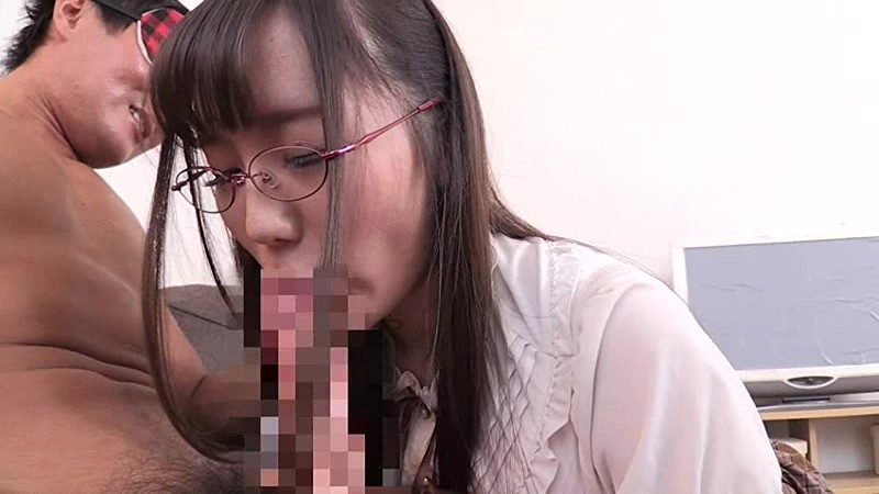 EKDV-579 My Hobby Is Fantasizing About Sex… The Serious, Petite And Intellectual Girl Who Looks Good With Glasses