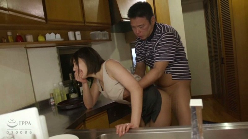 [T28-567] A Divorced Old Guy Goes Back To His Family Home To Break In His Sister-In-Law And Her Daughter With Punishing Sex
