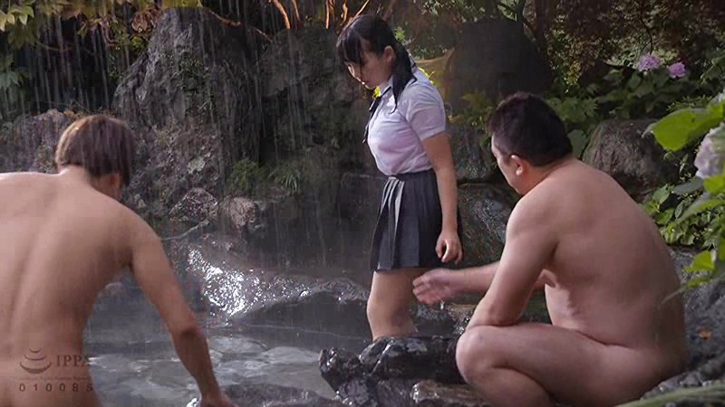 [T28-575] A Dripping Wet Sch**lgirl Is Taking Shelter From The Rain And Getting Fucked 5