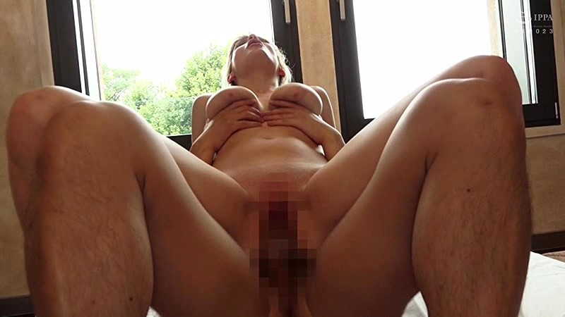 HUSR-187 Beautiful Big Tits! A Foreign Girl Can't Get Enough Of Japanese Cock