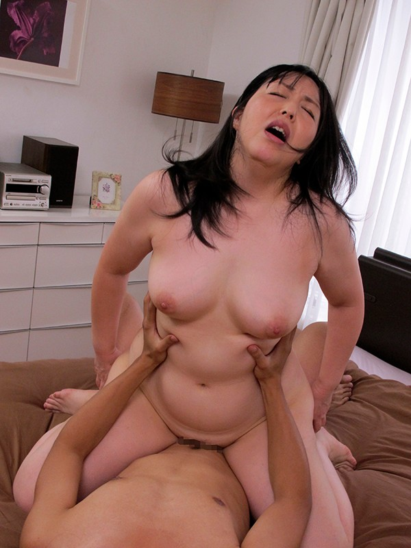 MCSR-413 Studio Big Morkal - Beautiful Plump Mature Women With Big Breasts - 10 People, 4 Hours