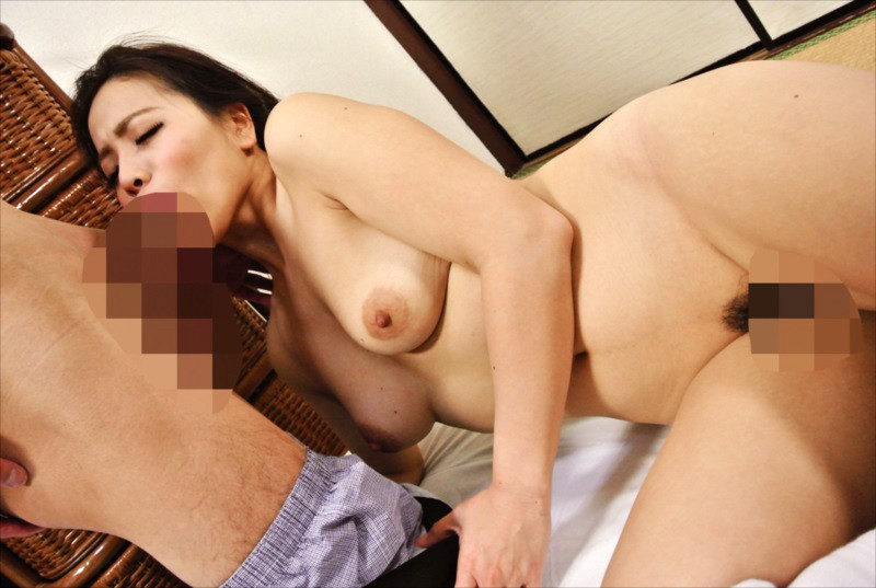 OKAX-487 My Neighbor's Wife Is A Former Athlete With A Voluptuous Ass! She Tempts Me In Her Tight Gym Shorts And We Have Adulterous Sex 4 Hours