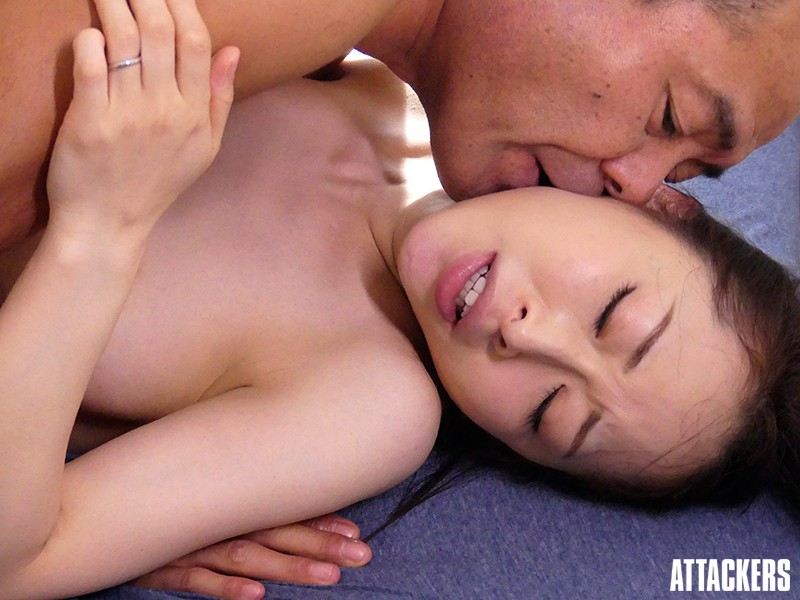 ADN-191 Looking For Love In All The Wrong Places An Apartment Wife In The Peak Of Womanhood Kanako Kase