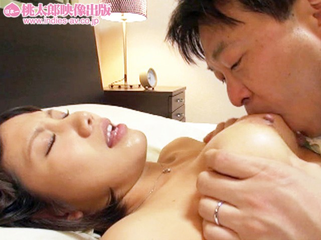 ALD-789 My Cock Is So Vigorous!! -The Madam's Body Is Delighted By My Insatiable Lust!-