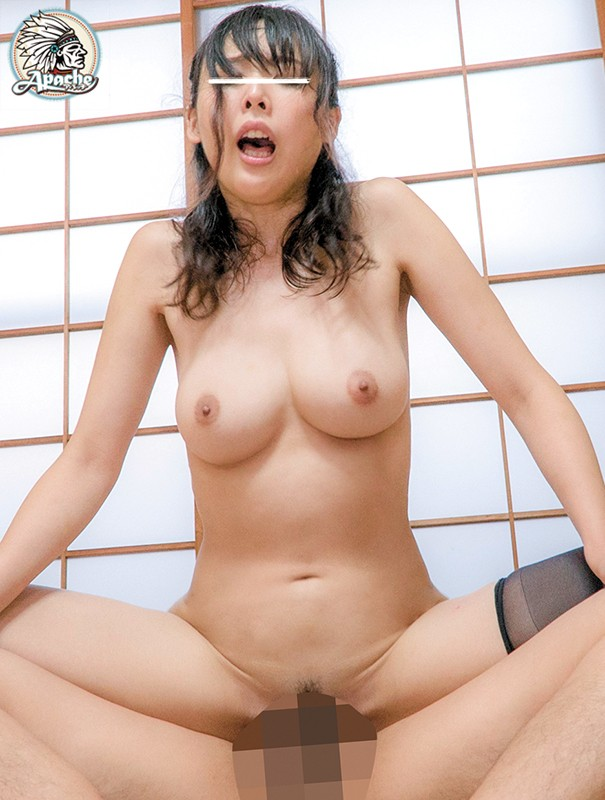 AP-569 This Big Tits Young Wife Got Caught In A Sudden Rainstorm On Her Way Home From Shopping
