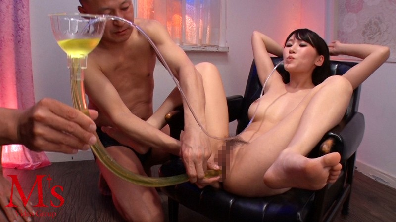 [AVOP-245] Mouth, Pussy, Asshole: She'll Use All Of These To Drink Man Juices! Piss And Cum, Triple Hole Cum-Swallowing Fuck. Honoka Mihara