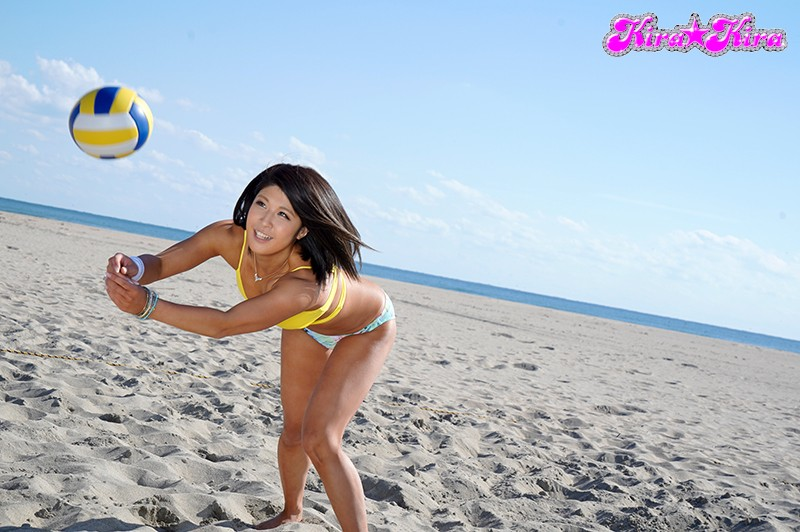 BLK-395 Meet This Ultra Erotic Real-Life Tanned Beach