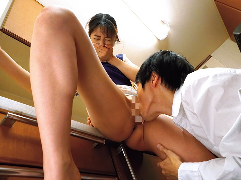 DVAJ-417 A Mistaken Identity Blowjob NTR It Was Dark, And She Found Out That She Was Giving A Blowjob To Her Husband's Employee By Mistake… Nanami Kawakami