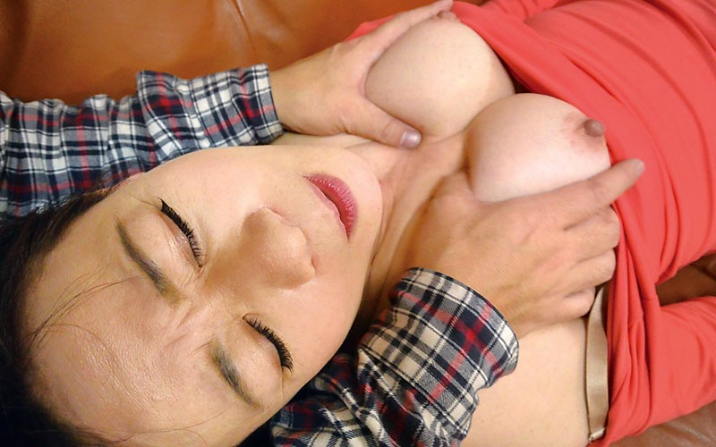 MGDN-139 Mom Railways – Mother-in-law BEST 10, 240 Min.