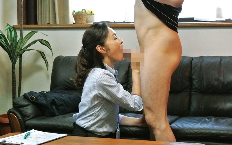 MOKO-031 Studio STAR PARADISE - Sexy Tight Skirt x Booty - If You Show A MILF Your Hard Dick On The