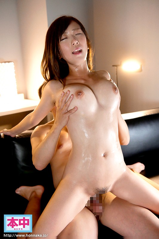 HND-753 A Bashful Big Tits College Girl And Her Older Boyfriend Experience Deep And Rich Raw Creampie Sex For The First Time Yu Matsui