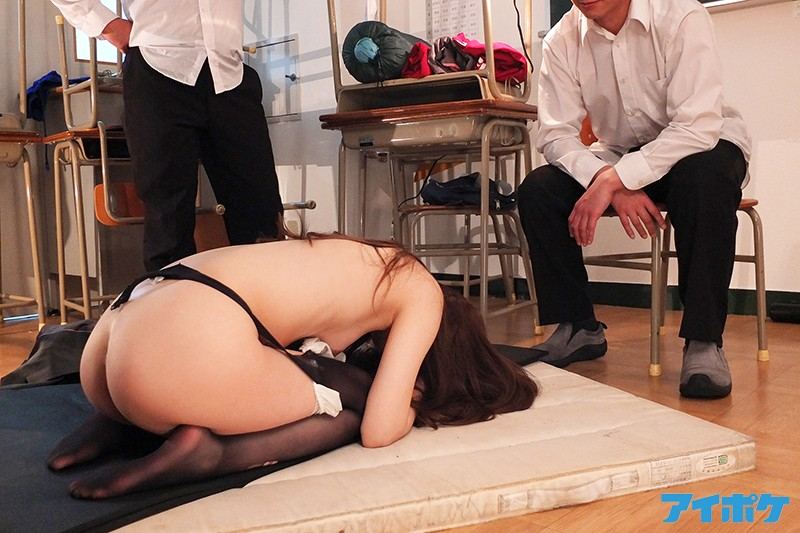 IPX-374 The New Female Teacher Is Getting Besieged With Creampie Gang Bang Sex Shackle Her Up And Get Her Ready! Press Her Down! Her Students Went Berserk And Began A Human Fuck Fest Relay Race! Tsumugi Akari