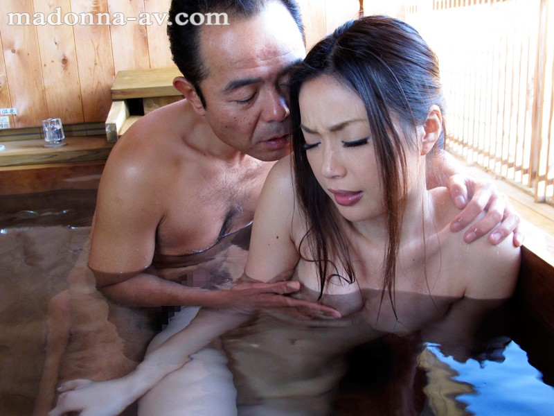 Poor housewife has impossible father in law