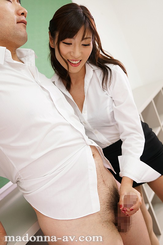 JUL-069 The New Female Teacher Has All The Schoolboys Hooked Cherry Popping Sex Education Temptation