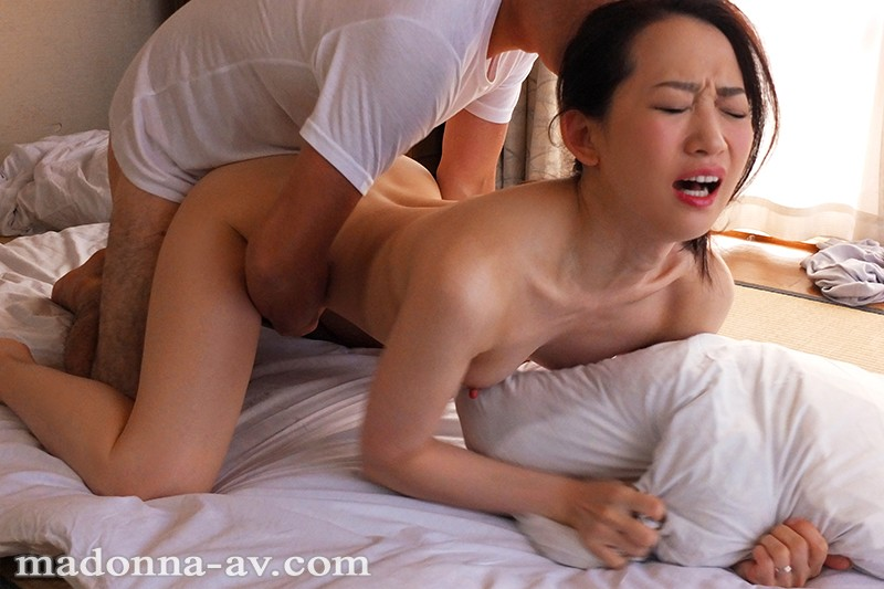 JUL-124 Wife Experiences First Orgasm Being Fucked By Brother-in-law, Kana Mito