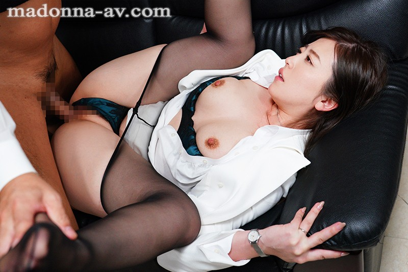 [JUL-208] This Married Woman Secretary Is Engaging In Sweaty, Kiss-Filled Creampie Sex In The President's Office (An Ultra Super Class Bitch) This First-Class Missus Is Moaning And Groaning In 3 Creampie Fucks, And We've Lifted The Publicity Ban Just For You!! Ririko Kinoshita