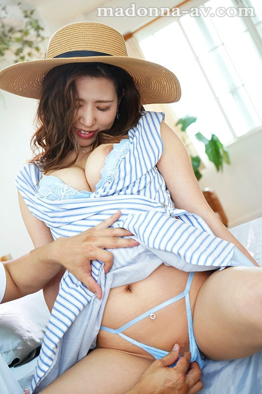 JUL-332 A Gentle Smile, Bewitching G-Cup Titties, A Dignified And Beautiful Kamakura Lady. Juna Aoki 30 Years Old Her Adult Video Debut!!