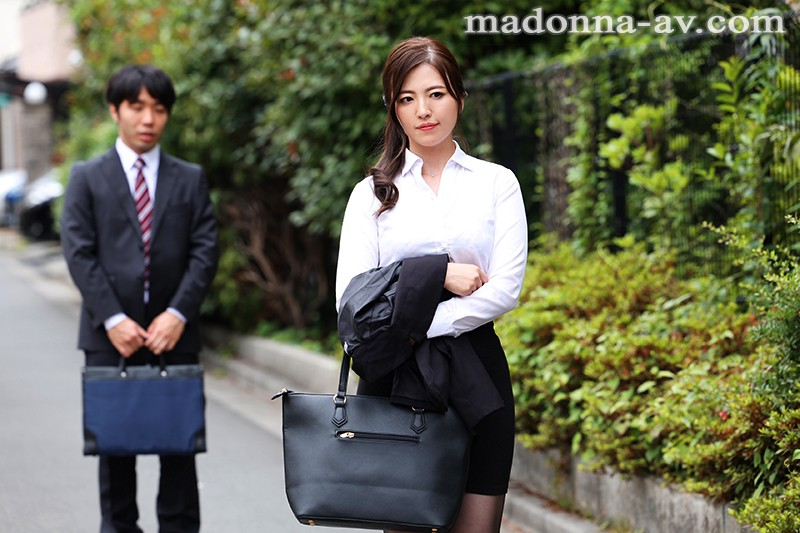JUL-333 I Was On A Business Trip And Was Staying At A Business Trip, And To My Incredible Surprise, I Was Booked Into The Same Room As My Favorite Lady Boss Ririko Kinoshita