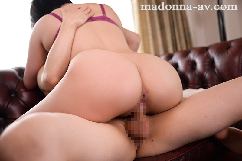 JUL-518 My Loving Stepmother Who Raised Me With Her Own Hands Is Seduced By My Awful Friend… Hijiri Maihara