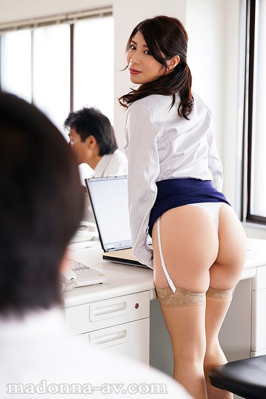 JUY-558 Because I'm New, The Female Manager At My New Office Toys With Me Relentlessly During Work Manami Kudo