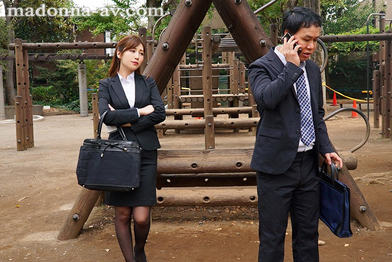[JUY-726] Sharing A Room With My Sexy Boss On A Business Trip Aki Sasaki