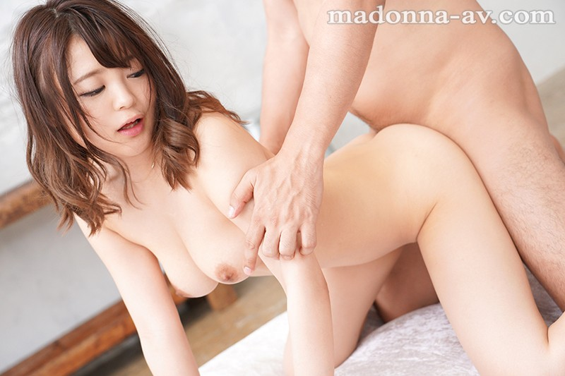 JUY-957 A Fresh Face An Outstandingly Small Waist And Divine G-Cup Titties Minami Kurisu 28 Years Old Her Adult Video Debut!!