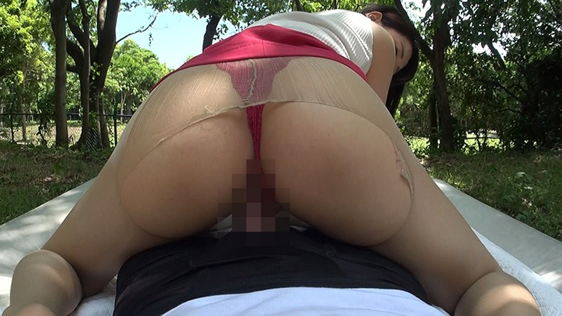 KTSB-015 26 Year Old Yuri Loves Fucking In The Open Air And At Her Office In Her Business Suit