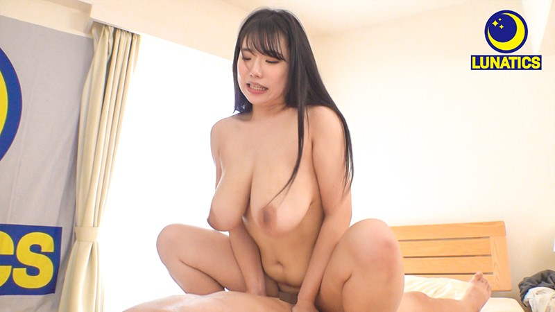 "LULU-047 ""Your Dick Is So Bundled Up! I'm Going To Peel You And Make You Nice And Clean"" My Big Tits Big Stepsister Works For A Bathhouse And She Started Cleaning My Uncircumcised Cock And Then She Used Her Sexy Body To Give Me All The Nookie I Could Handle Yua Asakura"