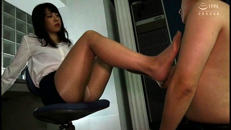 MGMQ-032 She Rapes Men. A Busty Office Lady Reverses