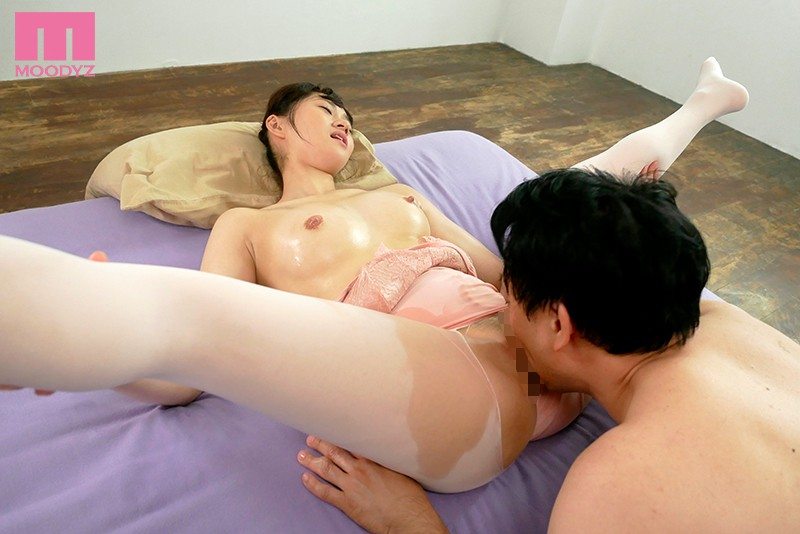 [MIFD-086] Fresh Face - A 19-Year-Old Ballerina Currently Studying Overseas Makes Her Porno Debut On A Two-Week Trip Back To Japan! - Suzu Nonomiya
