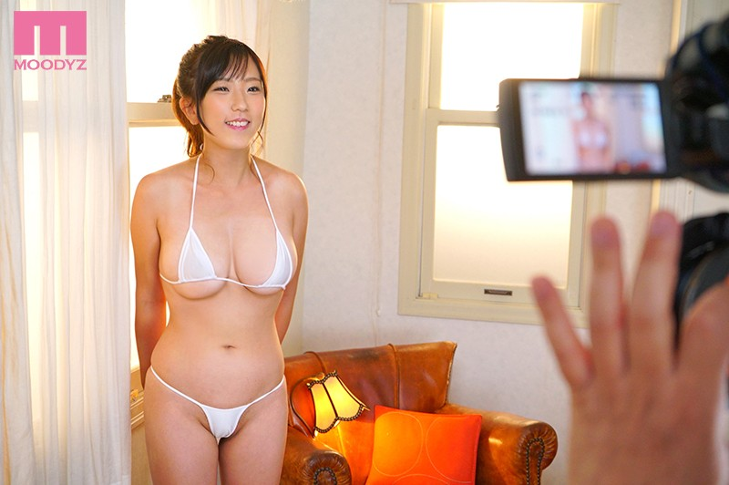 MIFD-091 The Dream Of This Excessively Natural Airhead Real-Life Schoolgirl Was To Become A Gravure Idol