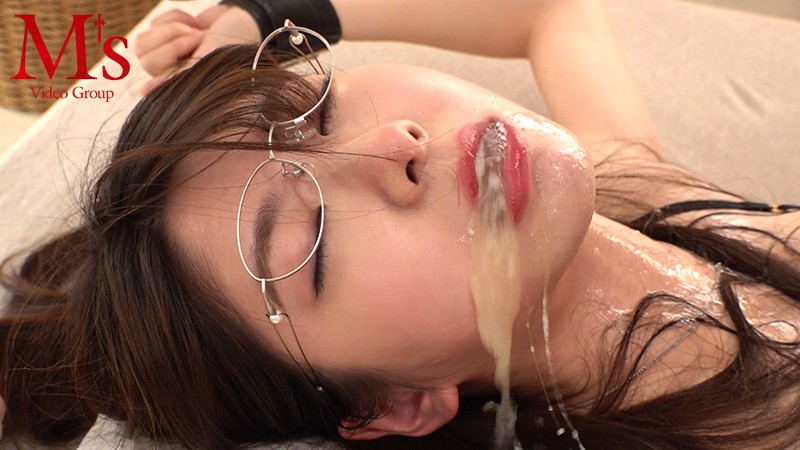 MVSD-393 Fucked In The Mouth, She Swallows Cum Until She Cries! Miyuki Arisaka
