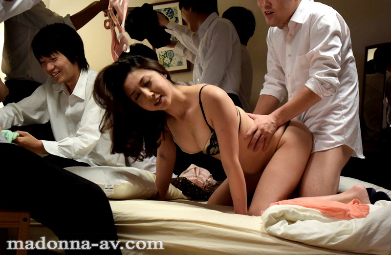 Fuck me classmate and bump into meeting became married woman - 2 part 10