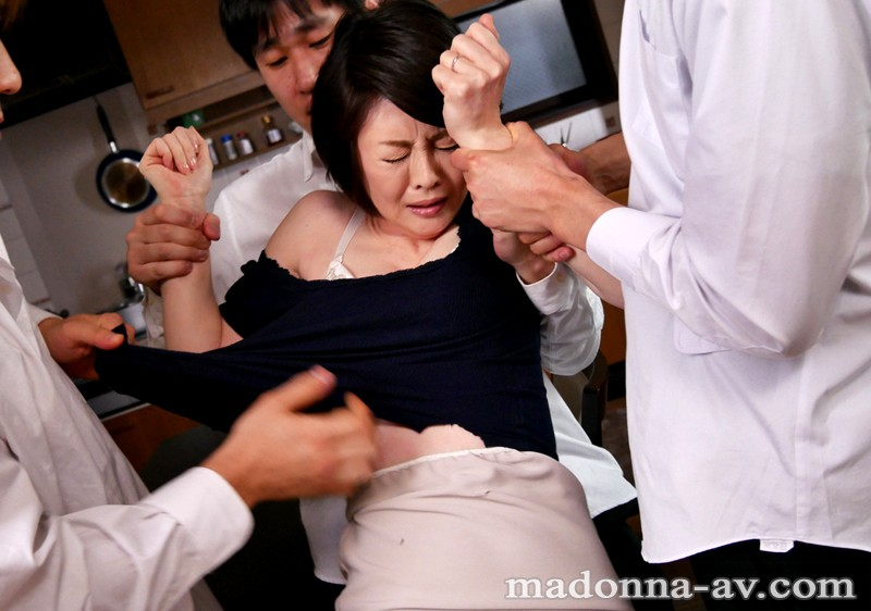 OBA-272 Studio MADONNA I'm Getting Gang Bang Sex With My Son's Classmate Every Day. Rie Takeuchi - big image 1