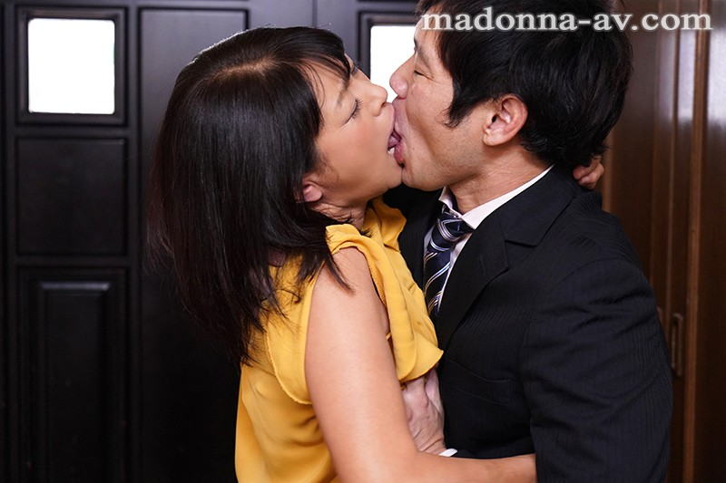 OBA-385 A Married Woman Invites Her Fuck Buddy To Her Home To Have Sex While Her Husband Is Away. Midori Yashima